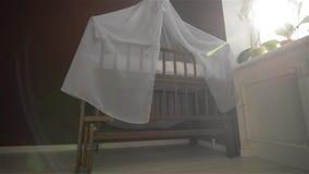 Stażowy pokój dla nowonarodzonego, łóżko polowe zbiory wideo