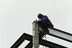 Staalarbeider die de bouw construeert Stock Afbeelding