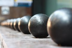 Staalballen op een rij royalty-vrije stock foto's