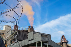 Staalfabriek die rode wolk produceren Stock Foto