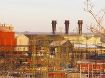 Staalfabriek met drie stapels Stock Fotografie