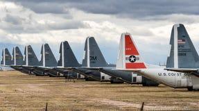 Staarten van teruggetrokken Luchtmachtvliegtuigen in Tucson royalty-vrije stock afbeeldingen
