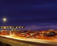 Staartruggen van verkeer bij tolpoort in Californië stock foto's