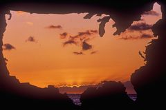 Staat-Festland mit Sonnenunterganghimmel Lizenzfreies Stockbild