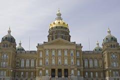 Staat Iowas-Kapitol am Eingang lizenzfreies stockfoto