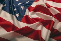 Staaten- von Amerikamarkierungsfahne Bild des Fliegens der amerikanischen Flagge im Wind lizenzfreie stockbilder