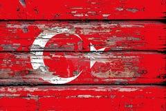 Staatsflagge von der Türkei auf einem hölzernen Hintergrund stockfotografie