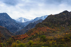 Staatsstraße 109 entlang der Landschaft Pekings Mentougou Lizenzfreies Stockbild
