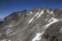 Stabbeskaret断层块,附近的Trollstigen在挪威 免版税库存照片
