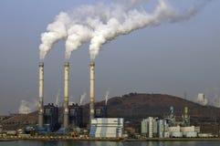 Stabilimento chimico/centrale elettrica immagine stock libera da diritti