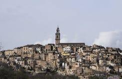 Stabilimento della montagna spain Il villaggio alla cima della montagna Immagini Stock