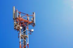 Stacja bazowa operator sieci 5G 4G, 3G wiszącej ozdoby technologie Zdjęcia Royalty Free