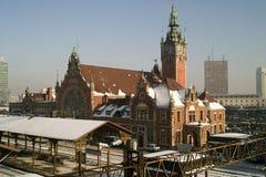 Stacja kolejowa i pociąg. Obraz Royalty Free