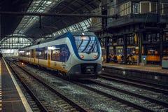 Stacja metru Amsterdam z rozpieczętowanymi estradowymi zakończenie budowy elementami Zdjęcia Royalty Free