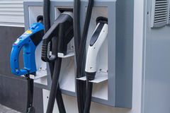 Stacja paliwowa pojazdu elektryczny zakończenie up zdjęcia stock