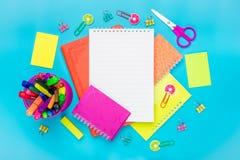 Stacjonarny szkoła, lato czas, twórczość i edukaci pojęcie, z powrotem, dostawy Zdjęcia Royalty Free