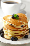 Stack of pancakes with fresh blueberry Royalty Free Stock Images