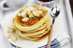 Stack of pancakes on white tray, breakfast in bed Royalty Free Stock Photos