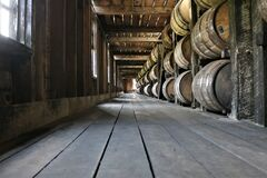 Free Stacked Aging Whiskey, Scotch, Bourbon Barrels In Kentucky Stock Photography - 183740152