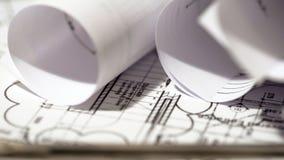 Staczający się w górę budynku planu dokumentów, architektura projekt, budowy biuro fotografia royalty free