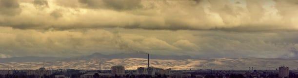 Stad ?Taldykorgan ? Panoramisch beeld bewolkte dag De Republiek Kazachstan royalty-vrije stock fotografie