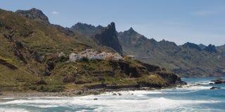 Stad av Almaciga på den norr ostkusten av Tenerife Arkivbild