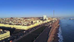 Stad av Brighton på sydkusten av England från över lager videofilmer