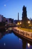 Stad av Bydgoszcz i aftonen Arkivfoton