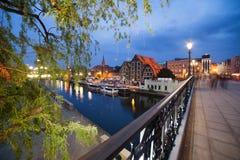 Stad av Bydgoszcz vid natt i Polen Fotografering för Bildbyråer