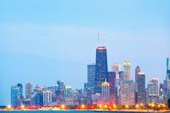 Stad av Chicago USA, färgrik panoramahorisont för solnedgång Fotografering för Bildbyråer