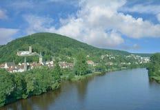 Stad av den Gemuenden f.m. strömförsörjningen, Spessart, Bayern, Tyskland Arkivbilder