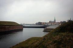 Stad av den Helsingor sikten från den Kronborg slotten, Danmark arkivbild