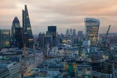 Stad av den London, affärs- och bankrörelsearian London panorama i soluppsättning Sikt från den St Paul domkyrkan Arkivfoton