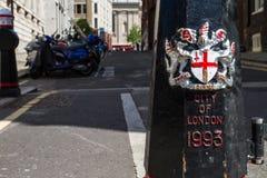 Stad av den London vapenskölden Arkivbilder