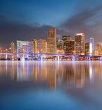 Stad av den Miami Florida solnedgången Royaltyfria Bilder