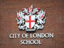 Stad av det London skolatecknet arkivfoto