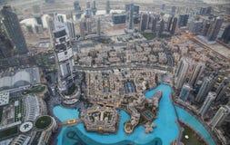 Stad av Dubai från Burj Khalifa Royaltyfri Foto