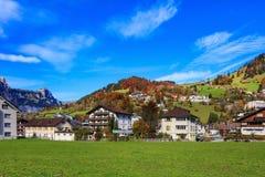 Stad av Engelberg i Schweiz Arkivfoton