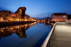 Stad av Gdansk vid natt i Polen Arkivbild