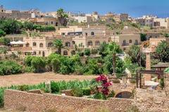Stad av Gharb i Malta Arkivfoto