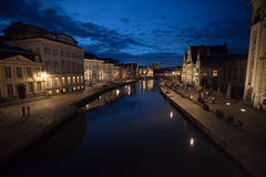 Stad av Ghent, Belgien, vid natt Arkivfoto