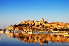 Stad av Imperia, Liguria, Italien under soluppgång royaltyfri foto