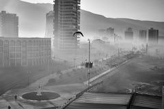 Stad av Iquique på en soluppgång Nord av Chile Arkivbilder