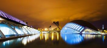 Stad av konster och vetenskaper i natt. Valecia Spanien fotografering för bildbyråer