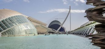 Stad av konster och vetenskaper, - L 'Hemisfèric - vid Santiago Calatrava, Valencia, Spanien arkivfoton