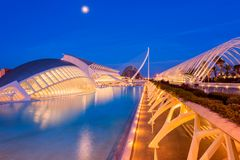 Stad av konster och vetenskaper som är komplexa i Valencia Spain på skymning Fotografering för Bildbyråer