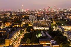 Stad av London horisont på natten Royaltyfri Bild