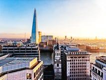 Stad av London med skärvan Arkivfoton