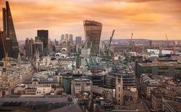 Stad av London panorama, på solnedgången Arkivbild