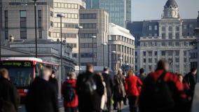 Stad av London pendlare stock video